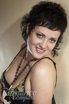 Ukrainian girl Galina,45 years old with black eyes and black hair.