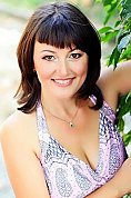 Ukrainian girl Inna,46 years old with brown eyes and dark brown hair.