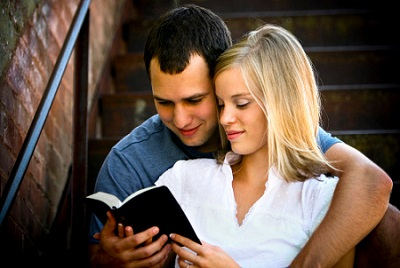 Couple-reading-Bible