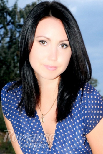 Ukrainian girl Elena,28 years old with brown eyes and dark brown hair.